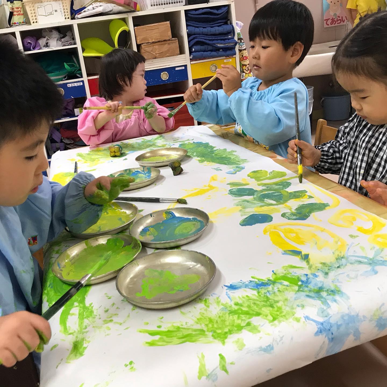 ねこグループ 絵具遊び