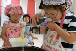 木曜グループ「デコレーションホットケーキ作り」